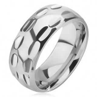 Prsteň z chirurgickej ocele - lesklý, podlhovasté jamky v dvoch radoch - Veľkosť: 57 mm