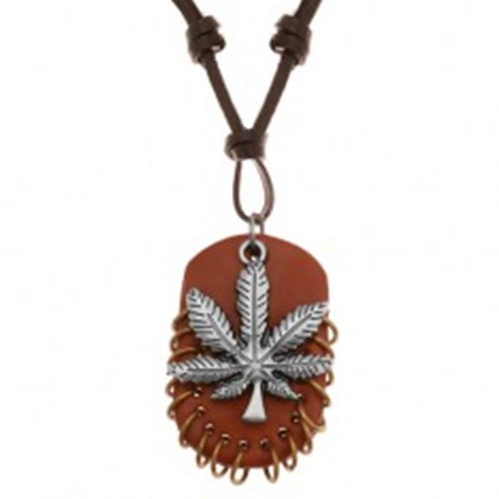 Šperky eshop Náhrdelník z umelej kože, prívesky - list marihuany a hnedý ovál s krúžkami