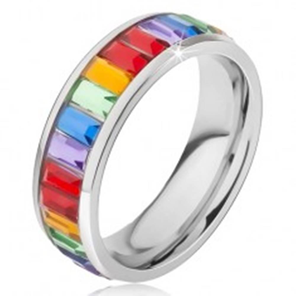 Šperky eshop Prsteň z chirurgickej ocele, lesklý farebný kamienkový pás - Veľkosť: 49 mm