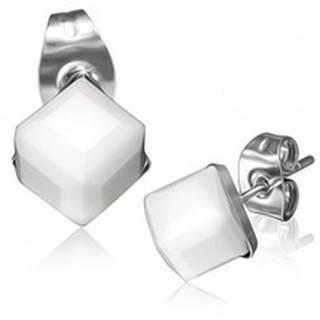 Oceľové náušnice - biely brúsený kamienok, kocka