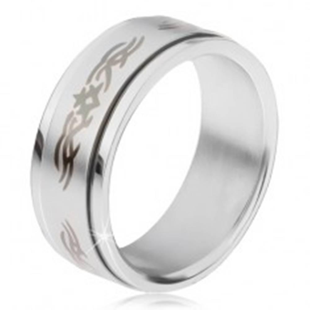 Šperky eshop Oceľový prsteň, matná točiaca sa obruč s ornamentom - Veľkosť: 57 mm