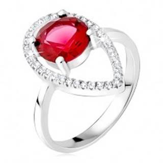 Strieborný prsteň 925 - okrúhly červený kameň, slzičková kontúra zo zirkónov - Veľkosť: 50 mm