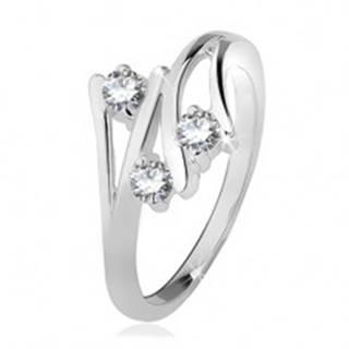 Strieborný prsteň 925, rozvetvené ramená, tri číre zirkóny - Veľkosť: 49 mm