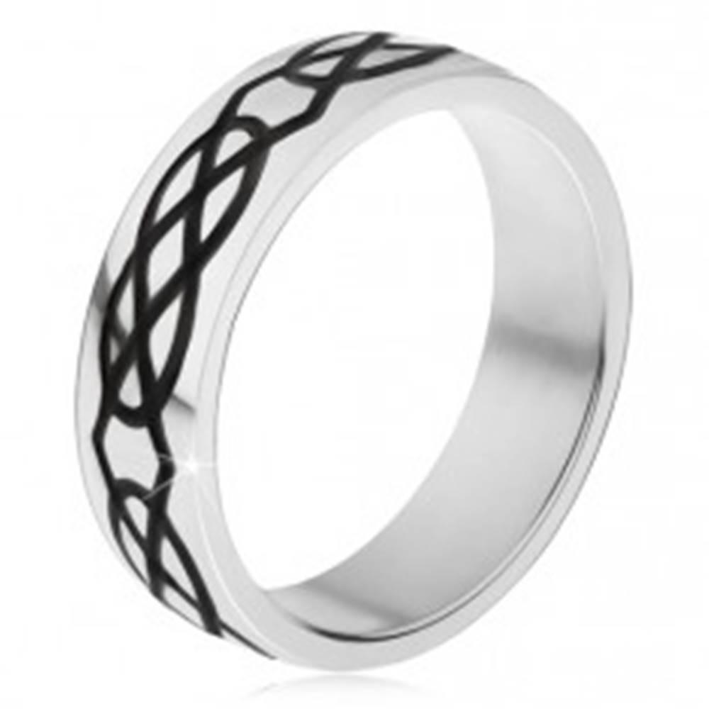 Šperky eshop Prsteň z ocele 316L, hrubšie čierne kontúry kvapiek a kosoštvorcov - Veľkosť: 51 mm