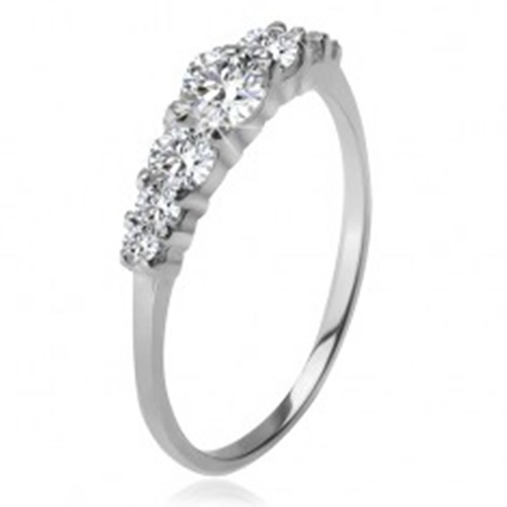 Šperky eshop Strieborný prsteň 925, väčší a menšie číre zirkóny v kotlíkoch - Veľkosť: 48 mm