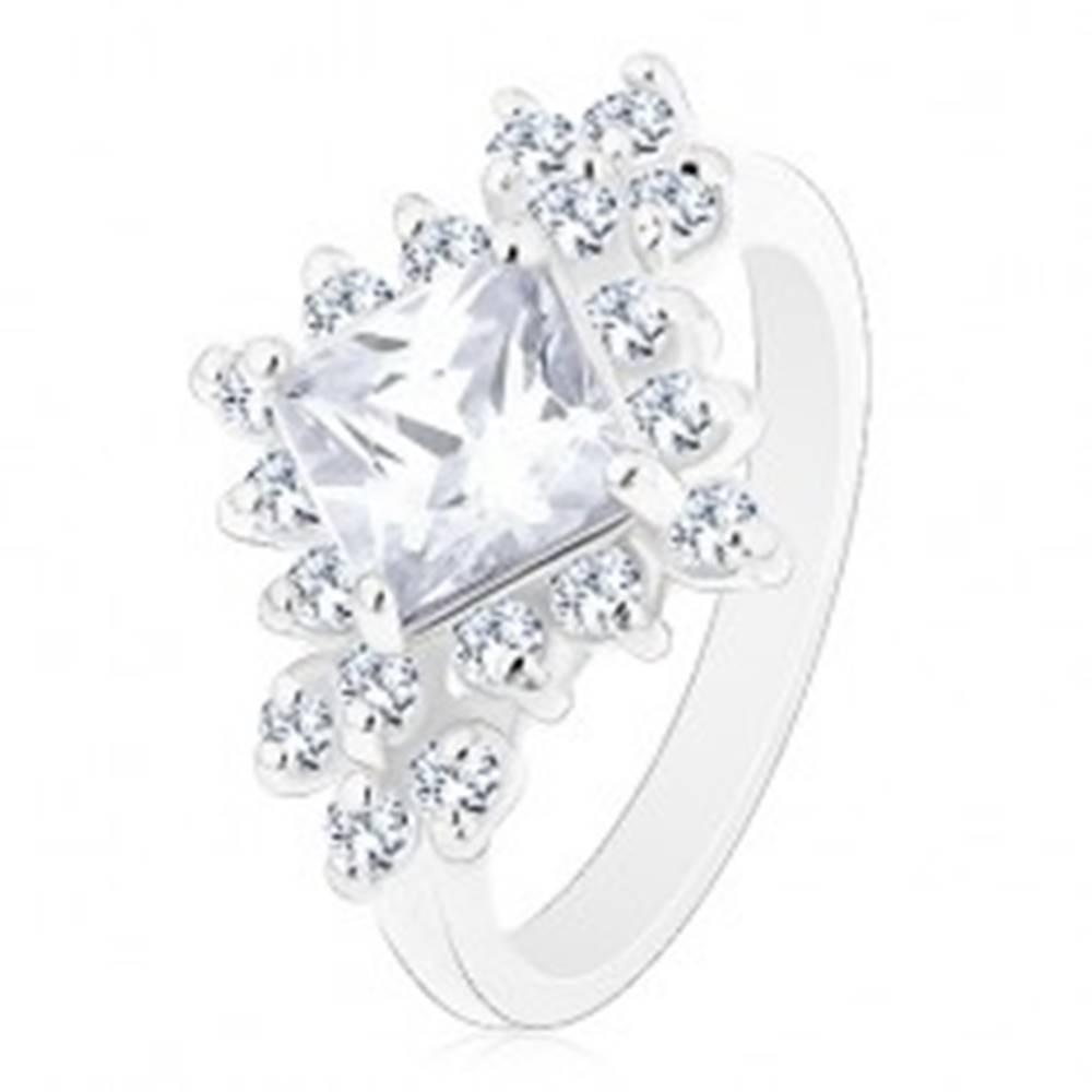 Šperky eshop Prsteň striebornej farby, číry štvorcový zirkón, okrúhle číre zirkóny - Veľkosť: 48 mm