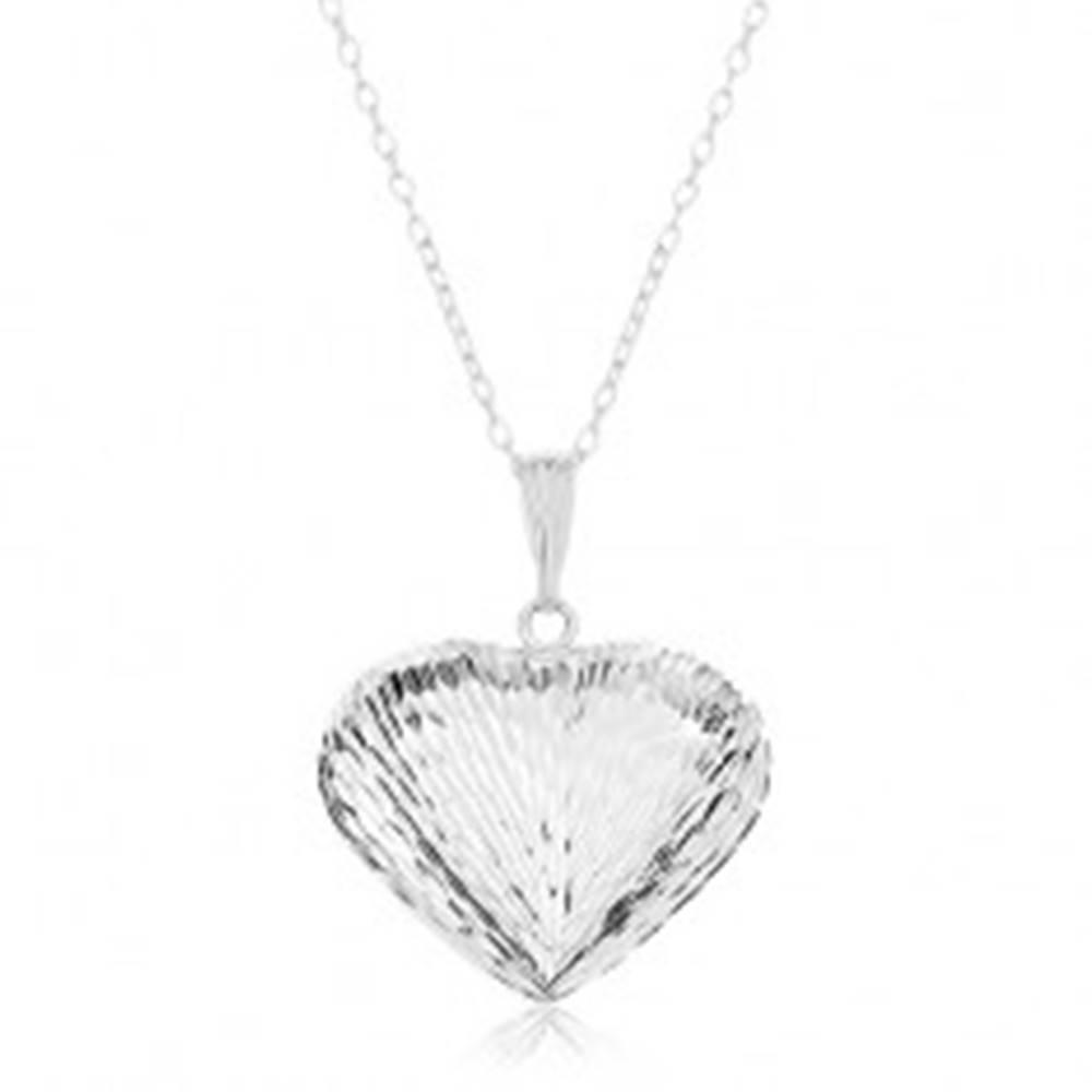 Šperky eshop Náhrdelník zo striebra 925, retiazka a prívesok - vypuklé srdce so zárezmi