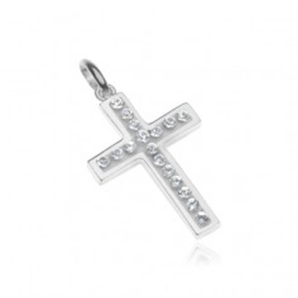 Šperky eshop Strieborný prívesok 925 - krížik vykladaný zirkónmi, biely podklad