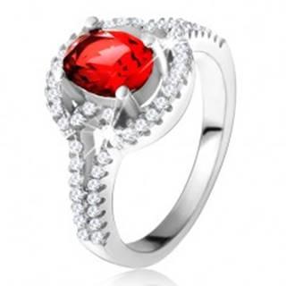 Prsteň s červeným oválnym zirkónom, rozdvojené zaoblené ramená, striebro 925 - Veľkosť: 50 mm