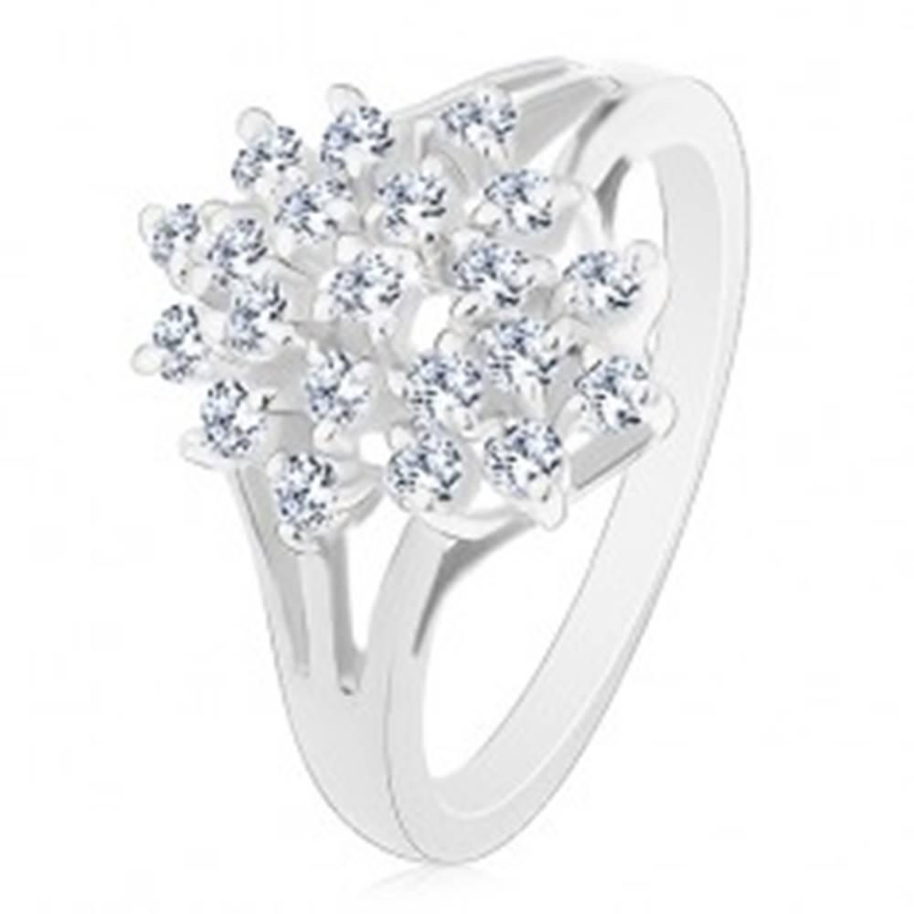 Šperky eshop Lesklý prsteň - strieborná farba, rozvetvené ramená, číre okrúhle zirkóny - Veľkosť: 48 mm