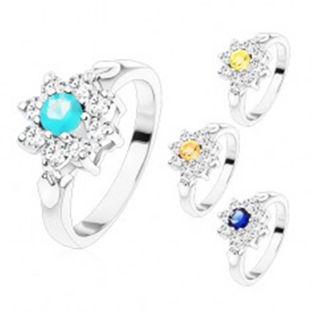 Šperky eshop Prsteň v striebornom odtieni, zirkónový kvet s farebným stredom, lístočky - Veľkosť: 48 mm, Farba: Aqua modrá