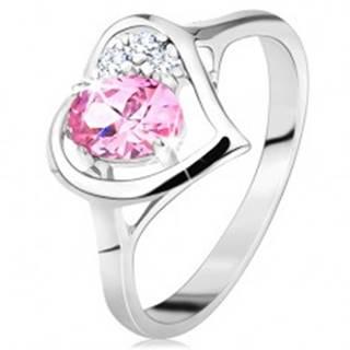 Prsteň striebornej farby, obrys srdiečka s ružovým oválom a čírymi zirkónikmi - Veľkosť: 49 mm