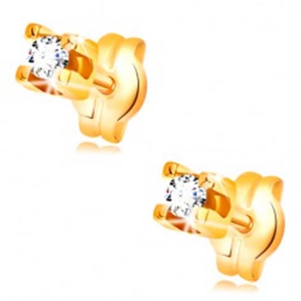 Šperky eshop Náušnice v žltom 14K zlate - okrúhly číry zirkón v hranatom kotlíku, 2 mm