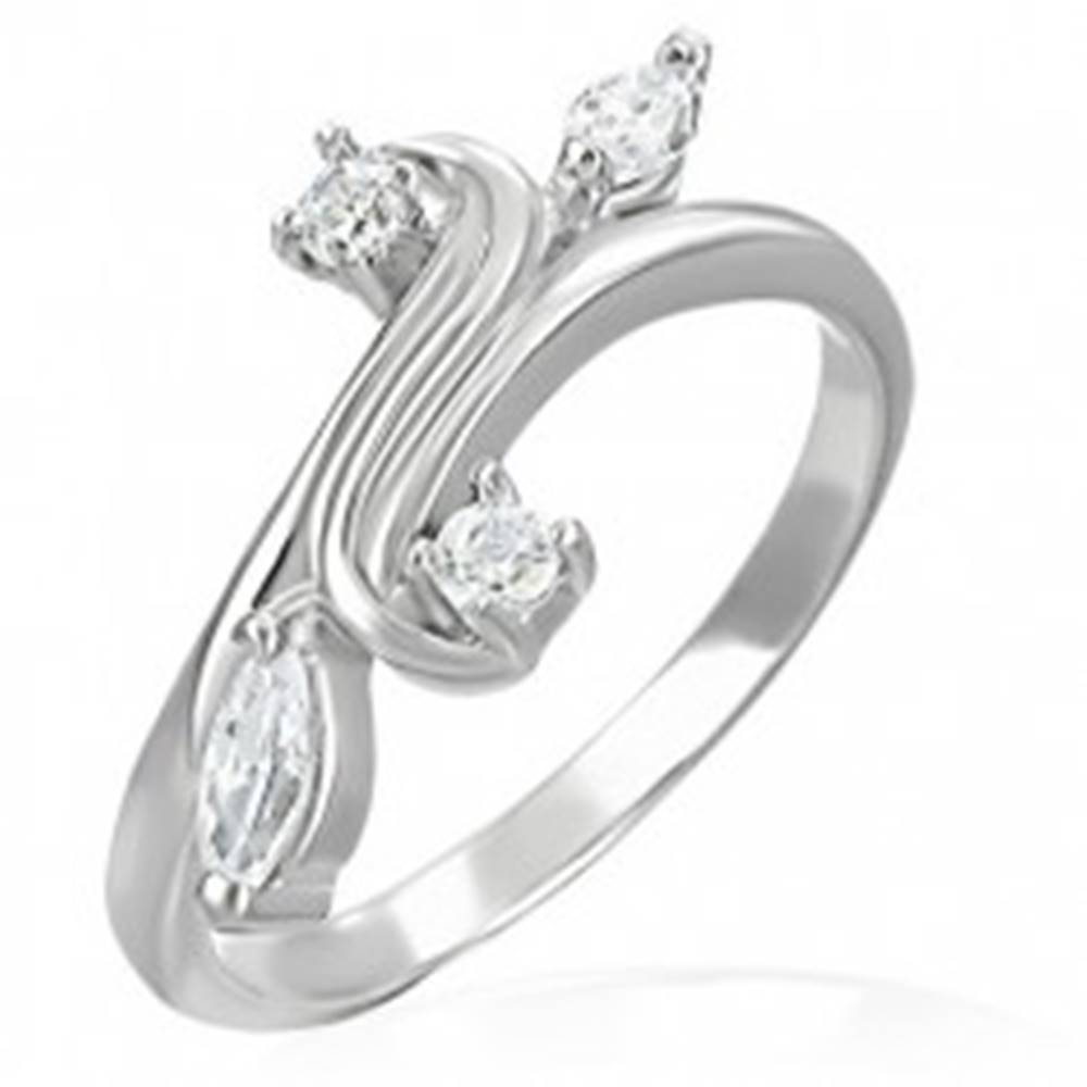 Šperky eshop Snubný prsteň - rozvetvenie ukončené so zirkónmi - Veľkosť: 48 mm