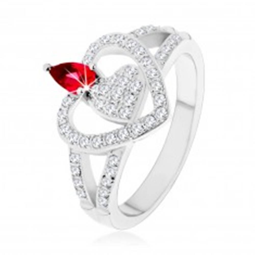 Šperky eshop Strieborný 925 prsteň, dve číre zirkónové srdcia, ligotavý ružový zirkón - Veľkosť: 50 mm