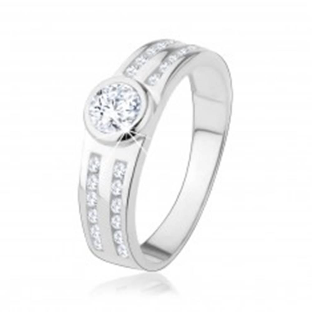 Šperky eshop Zásnubný prsteň zo striebra 925, okrúhly číry zirkón, trblietavé línie - Veľkosť: 48 mm