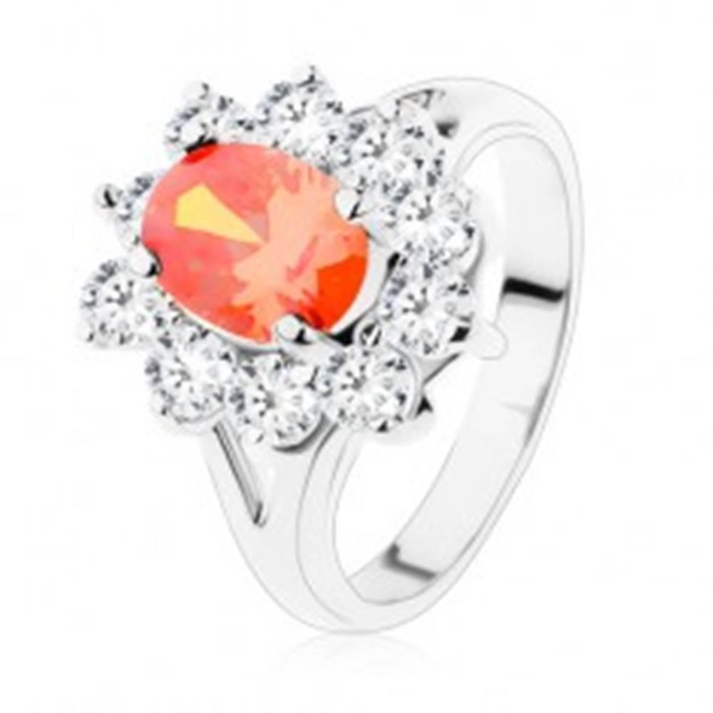 Šperky eshop Lesklý prsteň so striebornou farbou, oranžový ovál, číra zirkónová obruba - Veľkosť: 51 mm