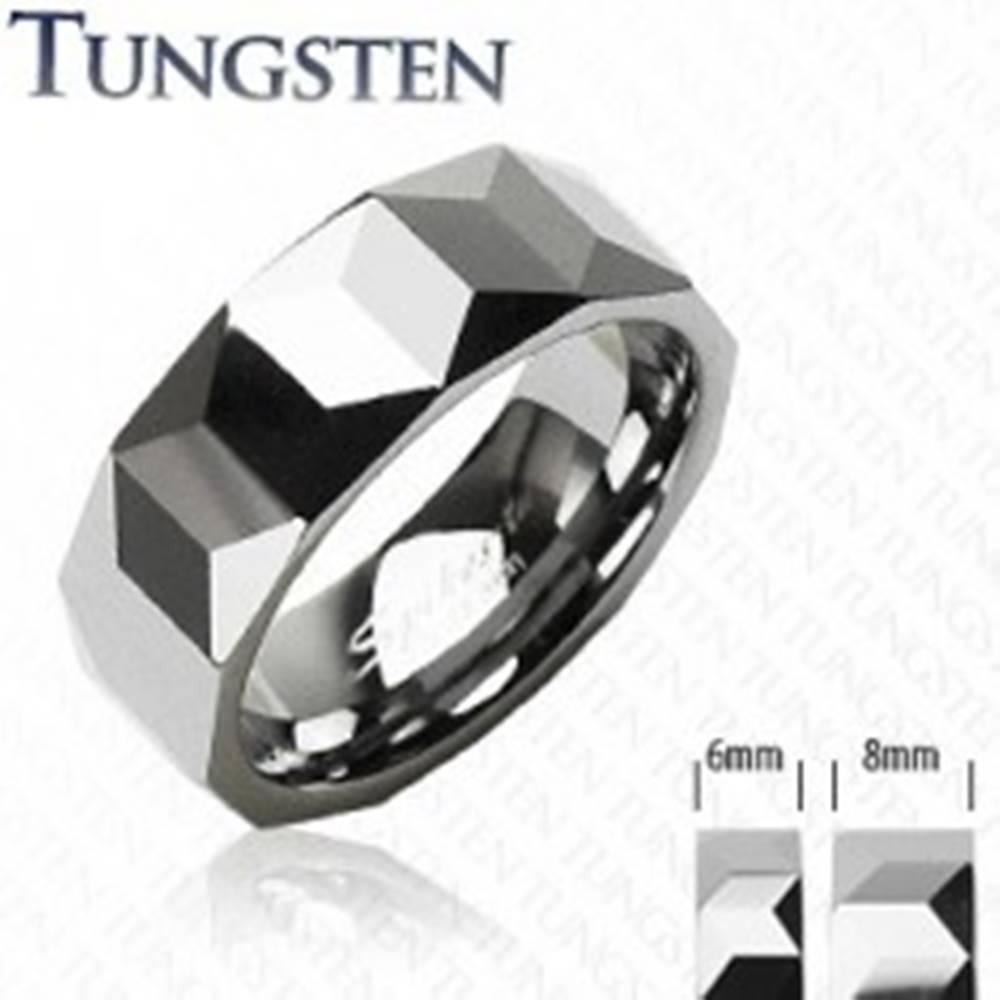 Šperky eshop Obrúčka z wolfrámu striebornej farby, geometricky brúsený povrch, 6 mm - Veľkosť: 49 mm