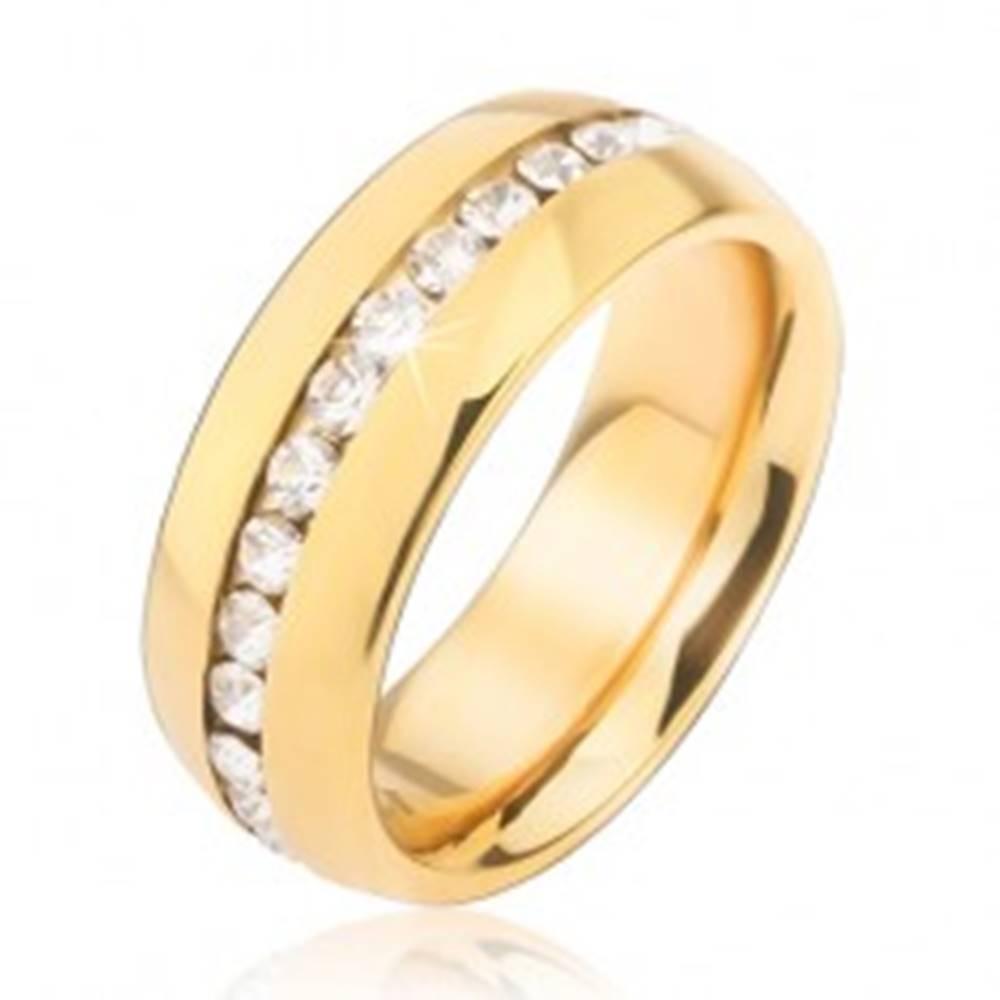 Šperky eshop Obrúčka zlatej farby z chirurgickej ocele so zirkónovým pásom čírej farby - Veľkosť: 49 mm