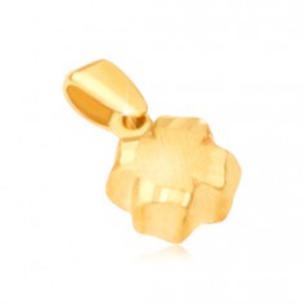 Šperky eshop Prívesok v žltom 14K zlate - 3D štvorlístok, saténový povrch, ryhované okraje