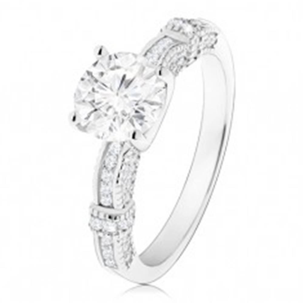 Šperky eshop Zásnubný prsteň, striebro 925, zdobené ramená, veľký okrúhly zirkón čírej farby - Veľkosť: 50 mm