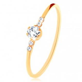 Prsteň zo žltého 9K zlata, okrúhly číry zirkón, drobné zirkóniky po stranách - Veľkosť: 49 mm