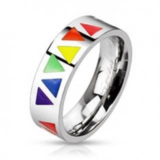 Oceľový prsteň s farebnými trojuholníkmi na podklade striebornej farby - Veľkosť: 49 mm