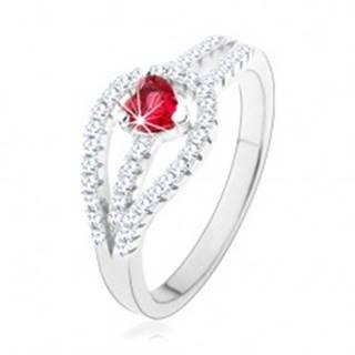 Strieborný prsteň 925, rozdvojené zirkónové ramená, červené srdiečko - Veľkosť: 49 mm