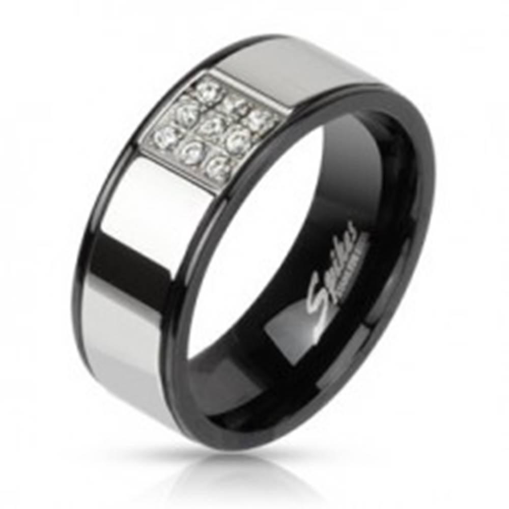 Šperky eshop Prsteň z ocele striebornej farby s čiernymi okrajmi, zirkónový štvorec - Veľkosť: 54 mm