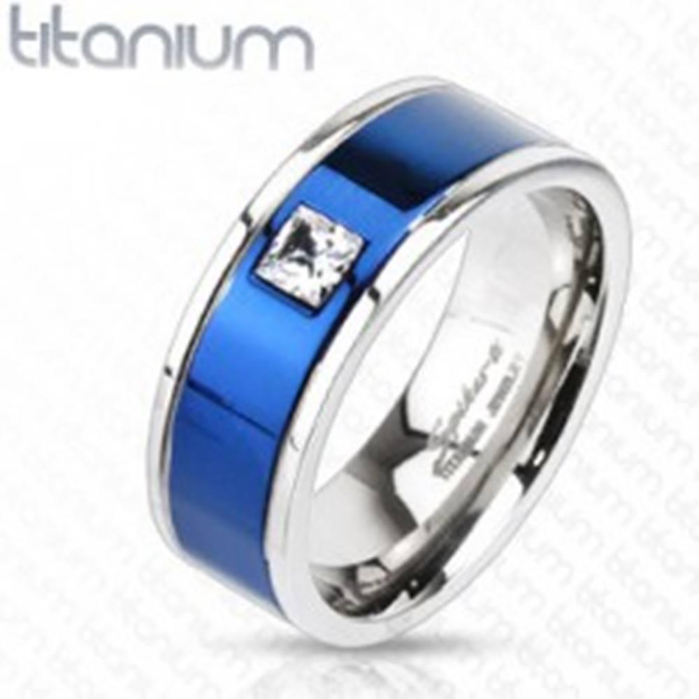Šperky eshop Titánový prsteň s modrým pruhom a štvorcovým zirkónom - Veľkosť: 49 mm
