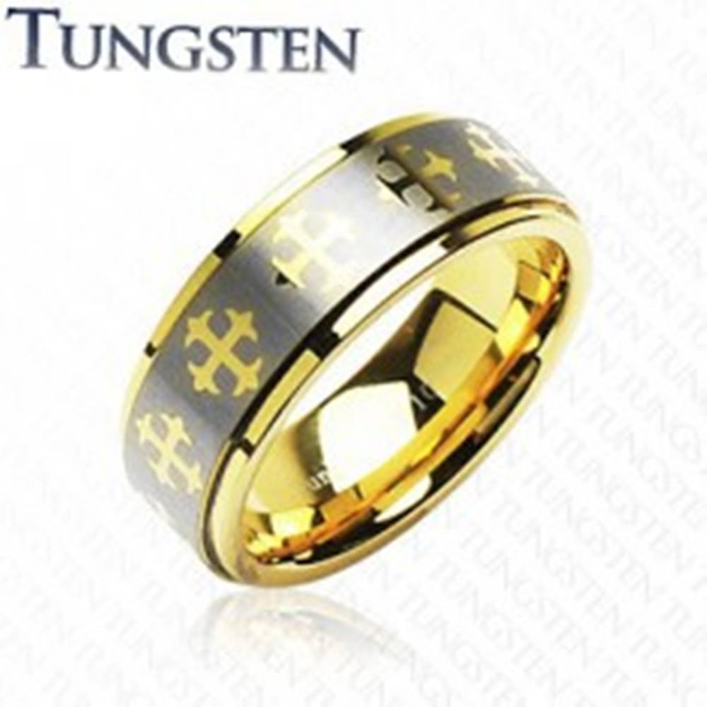 Šperky eshop Wolfrámový prsteň s krížikmi a  pásom striebornej farby - Veľkosť: 49 mm