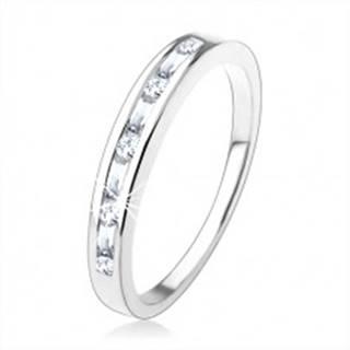 Zásnubný prsteň zo striebra 925, drobné číre zirkóny vsadené v úzkom výreze - Veľkosť: 49 mm