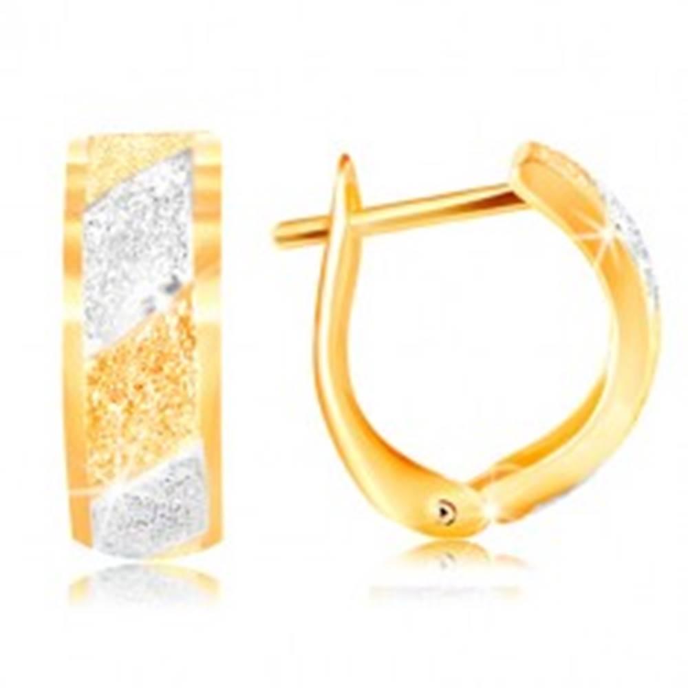 Šperky eshop Zlaté náušnice 585 - trblietavé pieskované pásy v žltom a bielom zlate