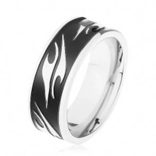 Lesklý prsteň z chirurgickej ocele, čierny pás zdobený motívom tribal - Veľkosť: 57 mm