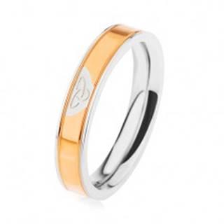 Oceľový prsteň striebornej farby, lesklý pás v zlatom odtieni, keltský uzol - Veľkosť: 49 mm