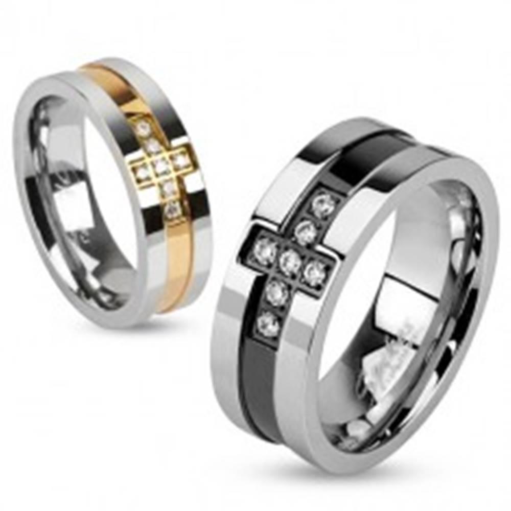 Šperky eshop Oceľová obrúčka so zirkónovým krížom a pásom čiernej farby, 8 mm - Veľkosť: 59 mm