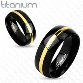 Dvojfarebný prsteň z titánu, čierny oblý povrch, pás zlatej farby, 6 mm - Veľkosť: 49 mm
