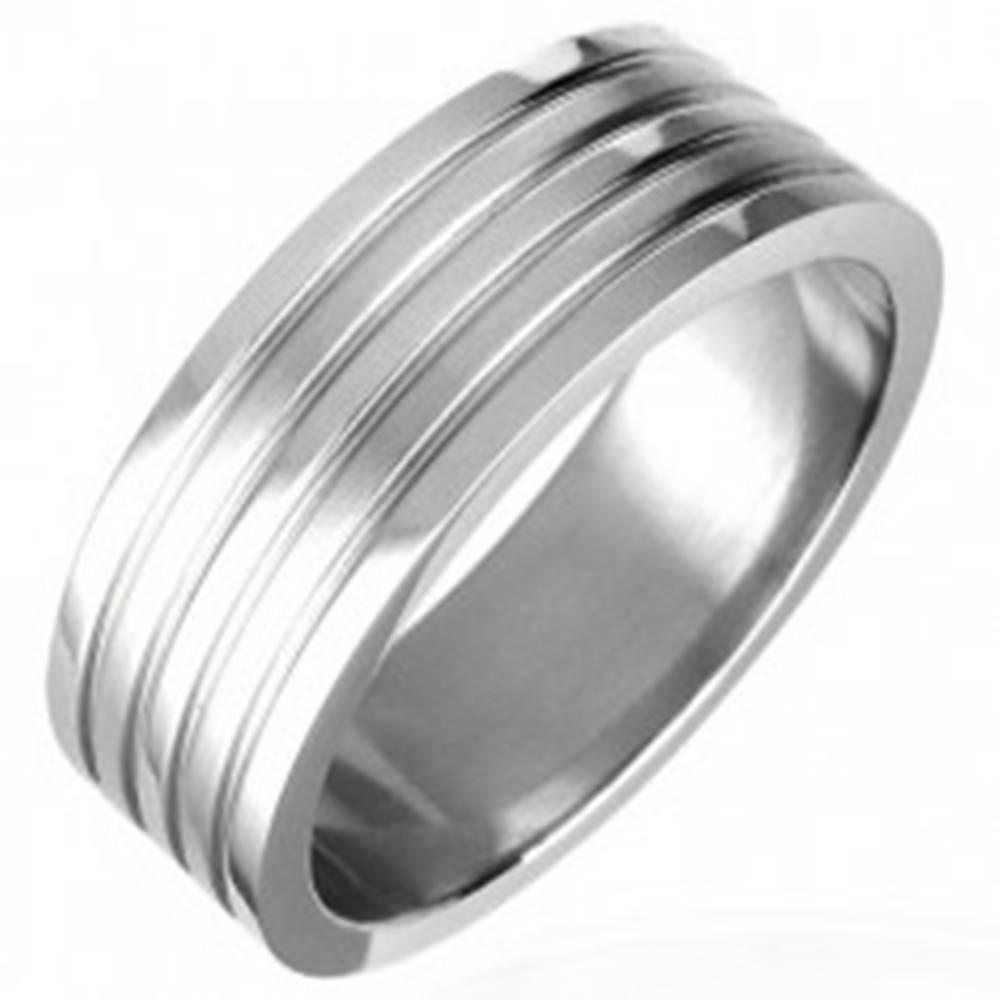 Šperky eshop Prsteň z chirurgickej ocele so štyrmi ryhami, matný - Veľkosť: 51 mm