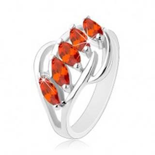 Prsteň striebornej farby, lesklé oblúčiky, pás oranžových brúsených zrniek - Veľkosť: 54 mm