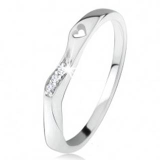 Strieborný 925 prsteň, zvlnená ozdobná časť, výrez srdiečka, číre zirkóniky - Veľkosť: 46 mm