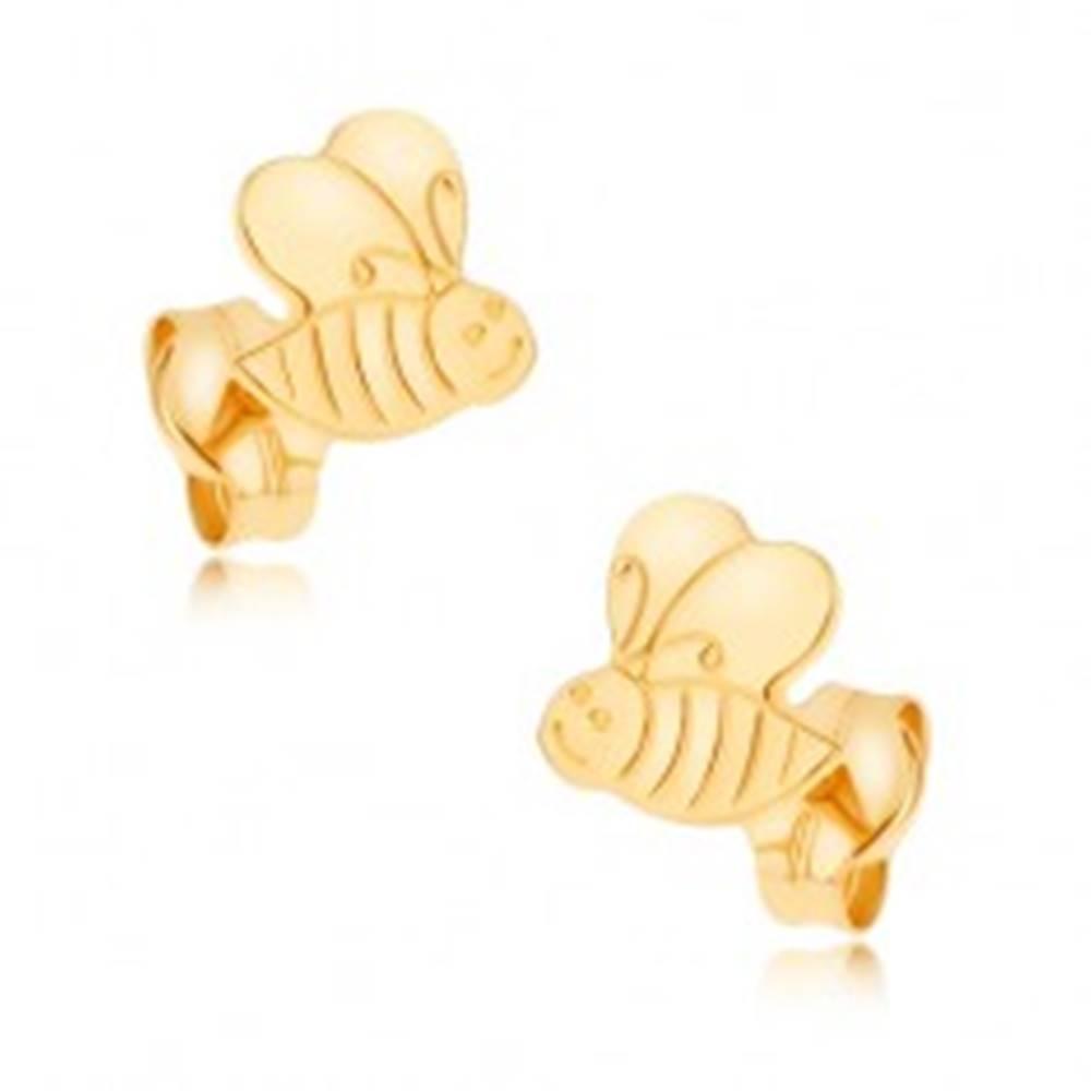 Šperky eshop Náušnice v žltom 9K zlate - ligotavá ozdobne gravírovaná včielka