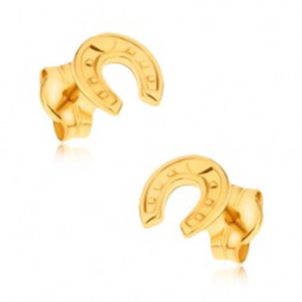 Šperky eshop Náušnice zo žltého 9K zlata - ligotavá ozdobne gravírovaná podkova