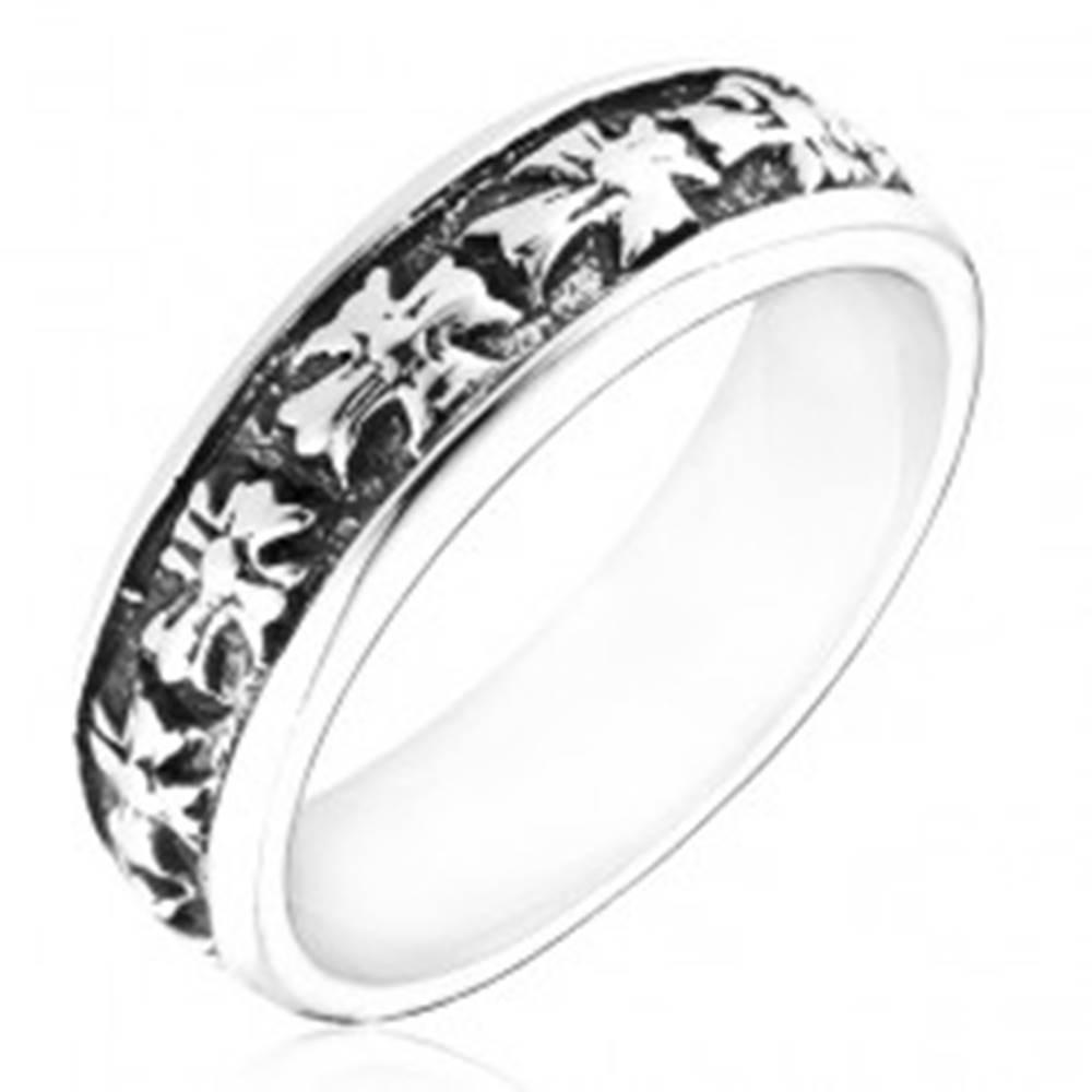 Šperky eshop Prsteň zo striebra 925 - obrúčka s krížmi a patinou - Veľkosť: 49 mm