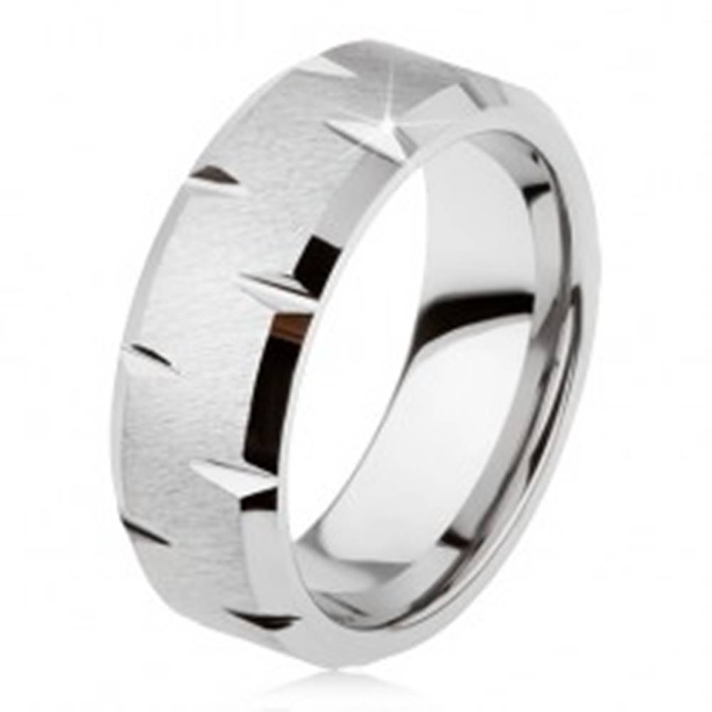 Šperky eshop Tungstenový prsteň so saténovým povrchom, jemné lesklé zárezy po obvode - Veľkosť: 49 mm