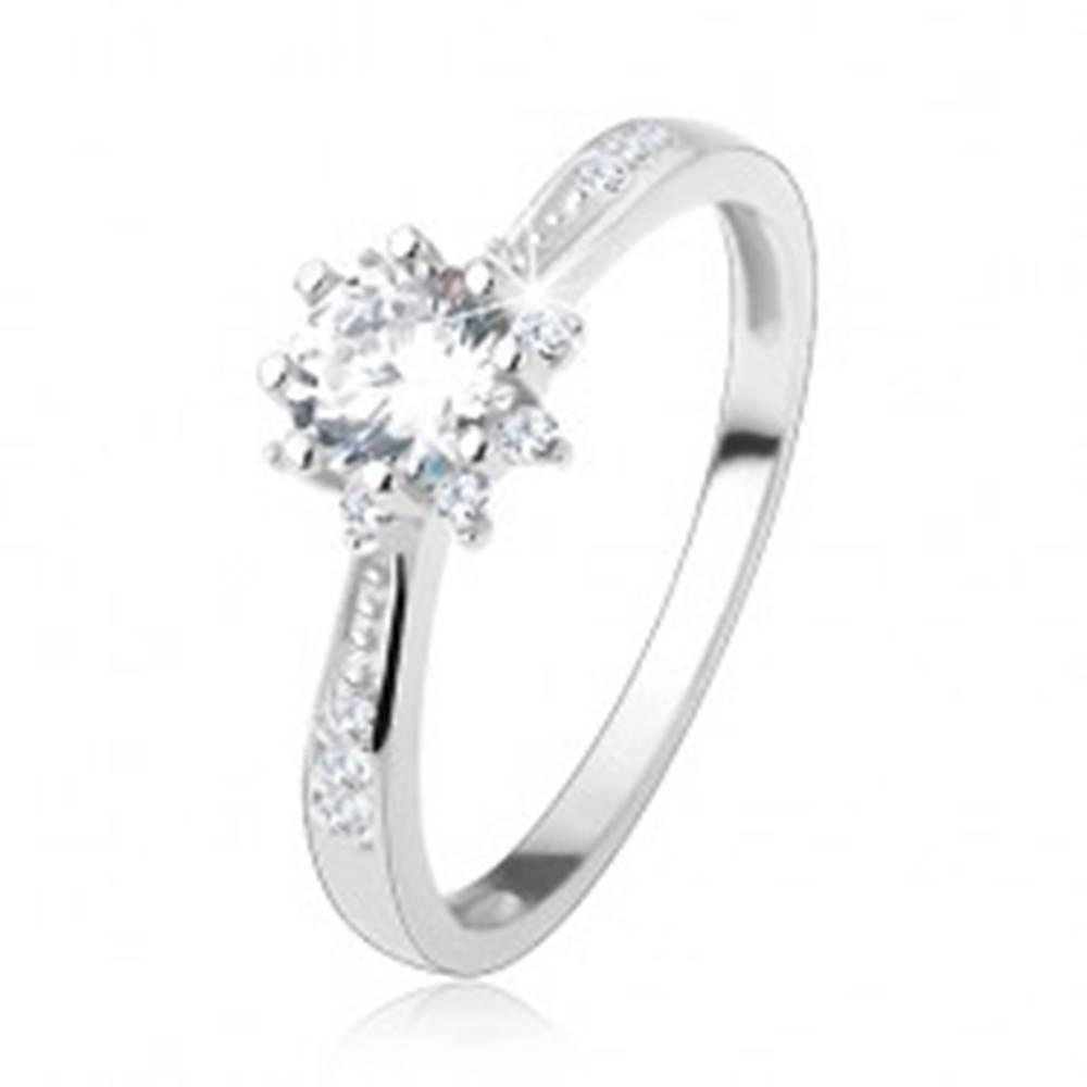 Šperky eshop Zásnubný prsteň - striebro 925, zdobené ramená, trblietavý zirkónový kvet - Veľkosť: 50 mm