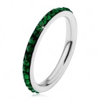 Oceľový prsteň striebornej farby, ligotavé tmavozelené zirkóniky - Veľkosť: 49 mm