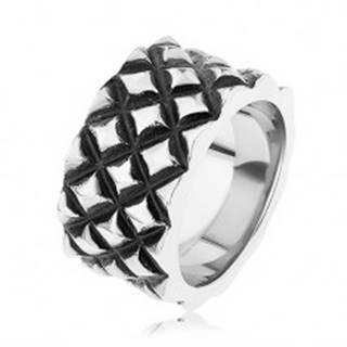 Patinovaný prsteň z ocele 316L, motív malých vypuklých kosoštvorcov - Veľkosť: 55 mm