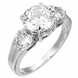 Snubný prsteň - 1 veľký zirkón a 2 srdiečkové zirkóny - Veľkosť: 49 mm