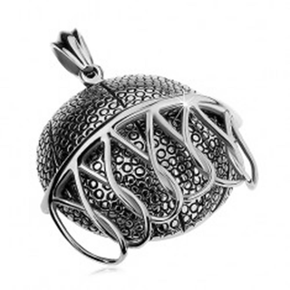 Šperky eshop Mohutný oceľový prívesok striebornej farby, basketbalová lopta padajúca do koša