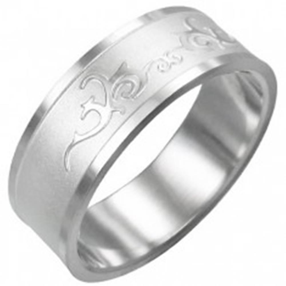 Šperky eshop Prsteň z chirurgickej ocele - lesklý ornament - Veľkosť: 54 mm